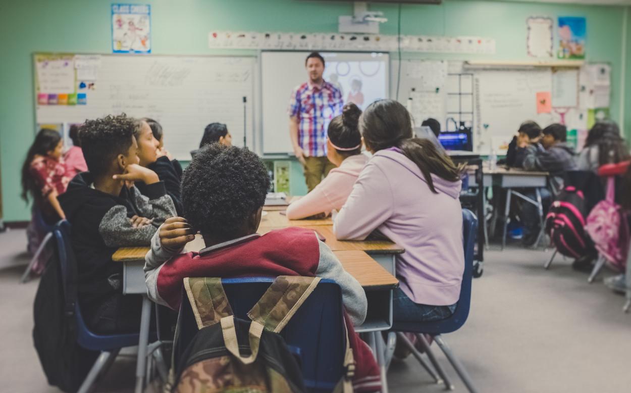 Prawa i obowiązki względem 18 letniego dziecka – ucznia szkoły średniej. Czy opiekunowie nadal mają wpływ na decyzje dorosłego już dziecka?